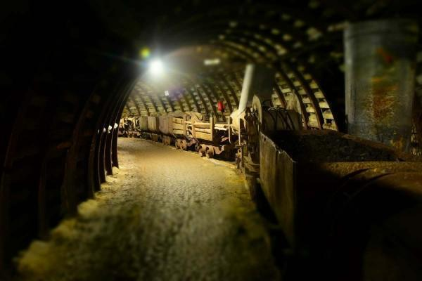 tunel, kopalnia, wagoniki